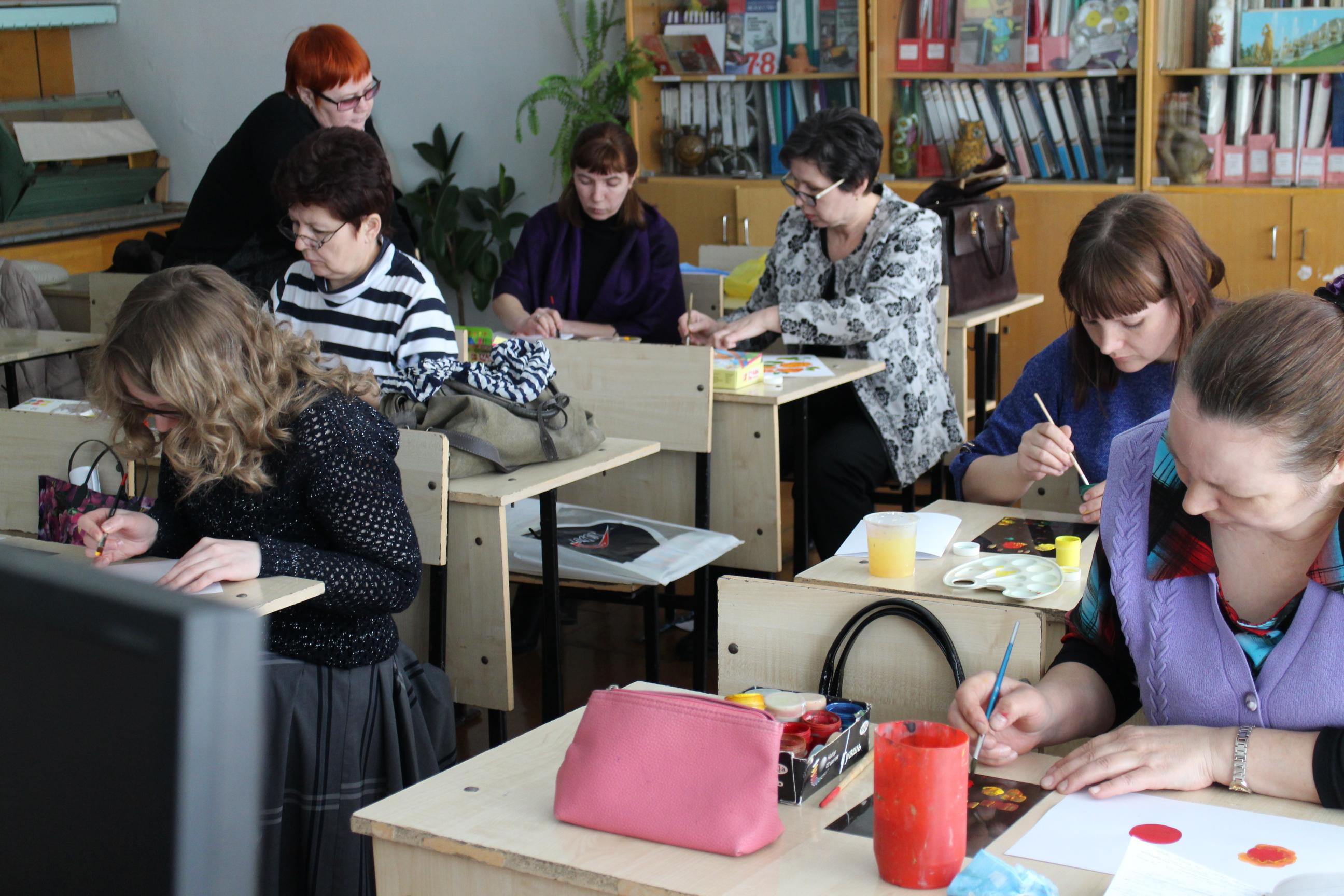 http://mo-izo-anzherka.ucoz.ru/Uchitelya/uchitelja_izo_8.jpg